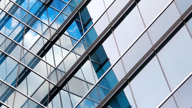 HD: Wolke Reflexion mit Glas (Timelapse)