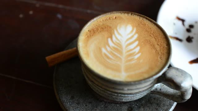 HD: Kaffee und dessert Blaubeer-Käsekuchen