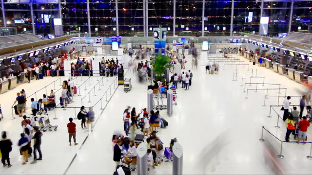 hd:crowd traveller at the airport. - passenger stock videos & royalty-free footage