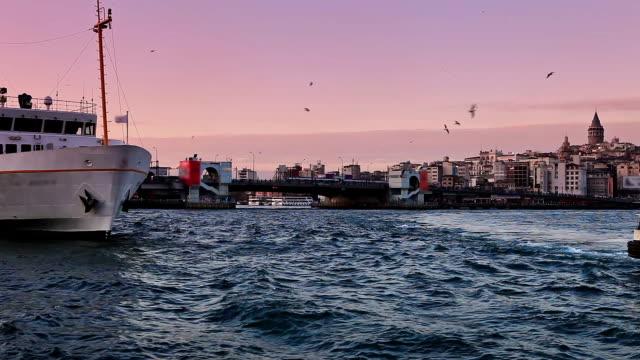 hd:eminonu ferry pier, istanbul, turkey - yeni cami mosque stock videos & royalty-free footage