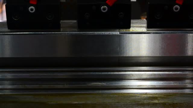 HD: vezes e cortar Metal aço Curvar-se
