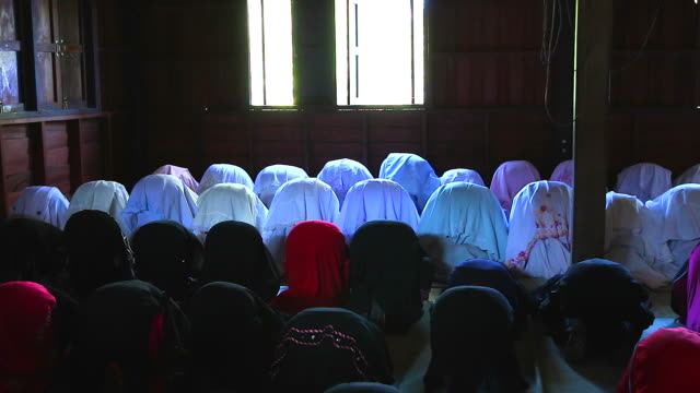 HD:Group of Islamic Women during Prayer.