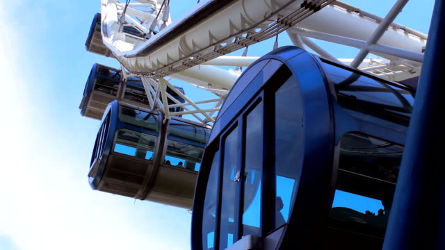 vídeos de stock e filmes b-roll de hd: singapura flyer - roda gigante