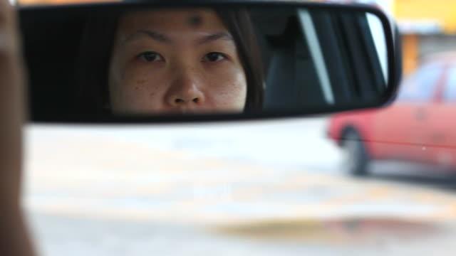 hd :シングルモメンタルお車にはベビーます。 - mirror点の映像素材/bロール