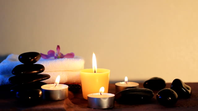 HD:Spa-stilleven van zen stone, kaars en massage olie