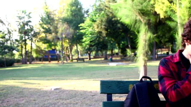 stockvideo's en b-roll-footage met hd:teenager blowing nose - menselijke neus
