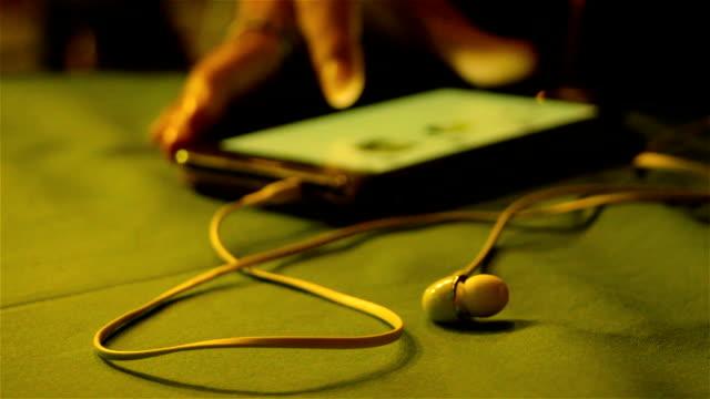 stockvideo's en b-roll-footage met hd:touch screen - elektronische organiser