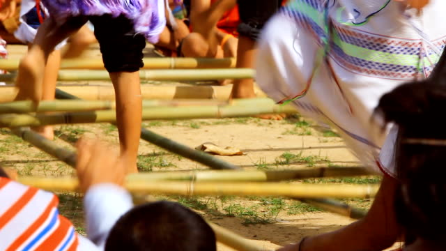 HD:Traditional karen dance with bamboo stick.