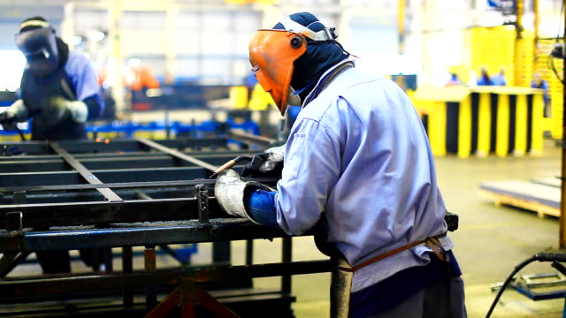 stockvideo's en b-roll-footage met hd:welding work. - metaalindustrie