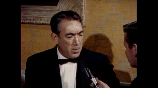 he talks about other actors who have impressed him, such as laurence olivier - ローレンス オリビエ点の映像素材/bロール