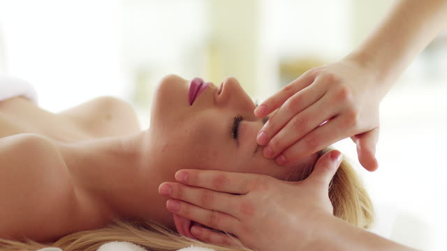 head massage - spa stock videos & royalty-free footage