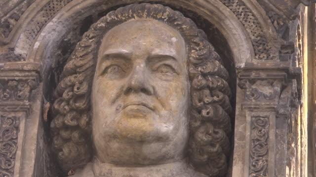 "head of  ""old johann sebastian bach monument "" - johann sebastian bach stock-videos und b-roll-filmmaterial"