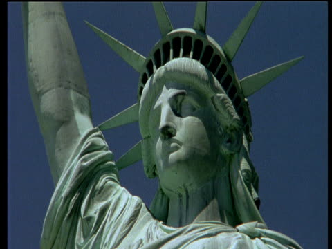 head of statue of liberty - kopfbedeckung stock-videos und b-roll-filmmaterial