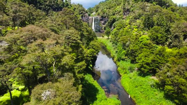 Heading towards Hunua Falls, Auckland.