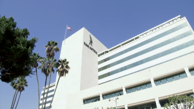 sag-aftra headquarters in los angeles - ラジオ放送点の映像素材/bロール