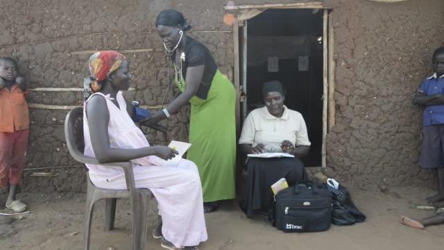 brac project, health project and community health promoters. - ブラック島点の映像素材/bロール