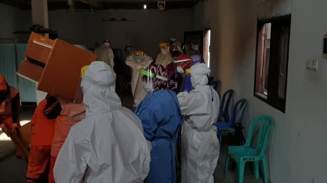 health workers in many countries including indonesia are the front people who were exposed openly to the spreading of corona virus. with the covid-19... - maternity wear stock videos & royalty-free footage