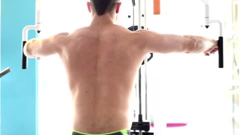 sund atlet utbildning med gym - torso bildbanksvideor och videomaterial från bakom kulisserna