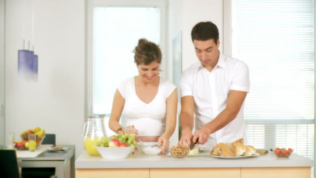 HD DOLLY: Healthy Couple