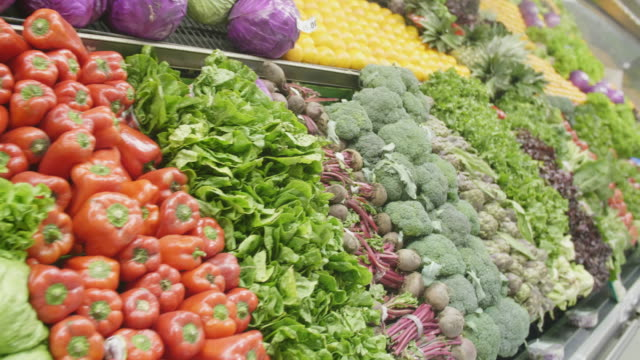 stockvideo's en b-roll-footage met gezonde voeding - supermarkt