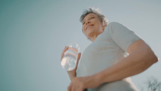 健康的な生活は幸せな人生 - 自制心点の映像素材/bロール