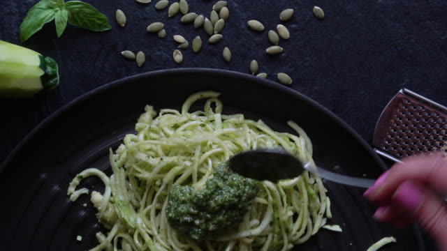 Healthy Zucchini Noodles with Pesto