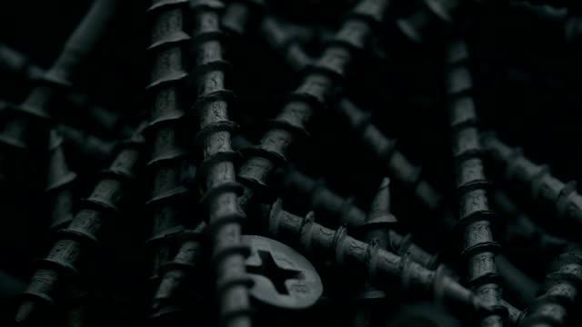stockvideo's en b-roll-footage met hoop zwarte zelf onttrekken schroeven - schroef