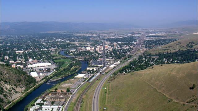 stockvideo's en b-roll-footage met hart van missoula - luchtfoto - montana, missoula county, verenigde staten - montana westelijke verenigde staten
