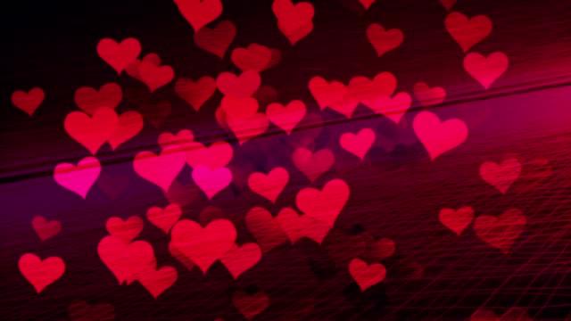 vídeos de stock, filmes e b-roll de corações voando no ambiente digital, internet, amor, namoro na internet. - símbolo do coração
