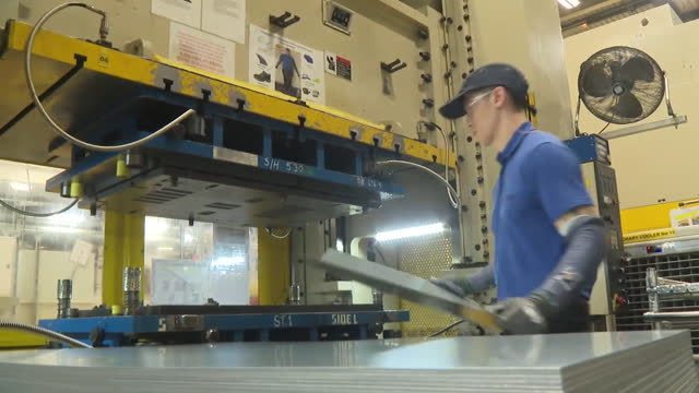 """heat pumps being made at mitsubishi electric in livingston - """"bbc news"""" stock videos & royalty-free footage"""
