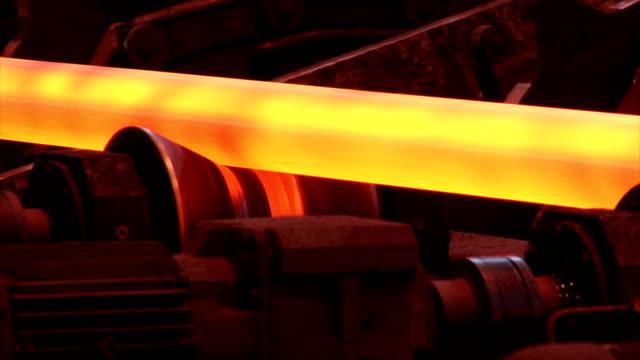 温水パイプが、運搬装置 - 鋼点の映像素材/bロール