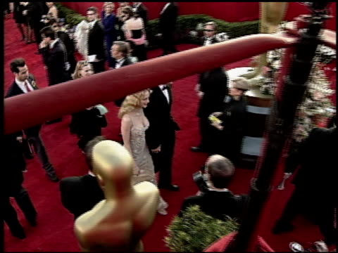 heather graham at the 2000 academy awards at the shrine auditorium in los angeles, california on march 26, 2000. - 第72回アカデミー賞点の映像素材/bロール