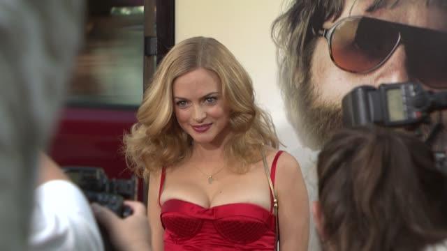heather graham at the 'the hangover' premiere at hollywood ca - una notte da leoni video 2009 video stock e b–roll