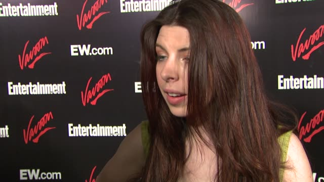 stockvideo's en b-roll-footage met heather matarazzo on partying at the box, her upcoming projects, and who she's anticipating meeting at this upfornt party at the upfront party hosted... - entertainment weekly