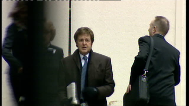 Heather Mills speaks out again over her divorce from Sir Paul McCartney TX 17308 London High Court Paul McCartney towards with his lawyer Fiona...