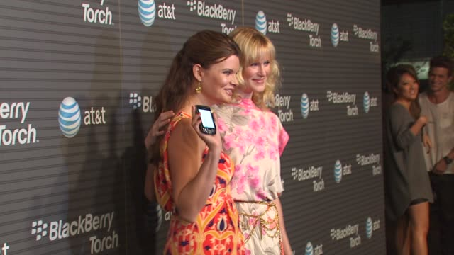 heather tom, nicholle tom at the blackberry torch from at&t usa launch party at los angeles ca. - ニコール トム点の映像素材/bロール