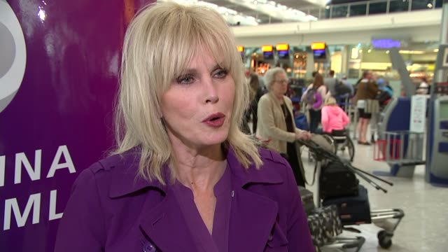 heathrow airport celebrates its 70th anniversary joanna lumley interview sot one of the most poignant stories is the first time the queen arrived in... - itv london lunchtime news点の映像素材/bロール