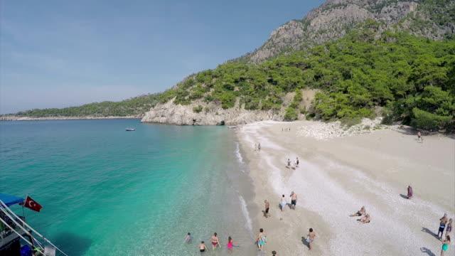 vídeos de stock, filmes e b-roll de heaven beach _aerial vídeo - fethiye