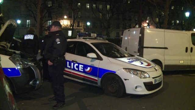 heavily armed men shouting allahu akbar stormed the paris headquarters of a satirical weekly on wednesday killing 12 people in cold blood in the... - satira video stock e b–roll