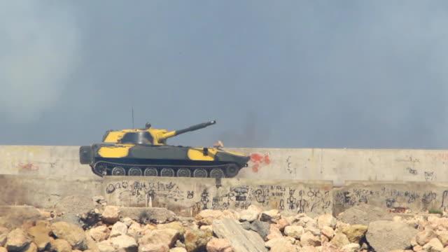 vidéos et rushes de artillerie lourde - armée rouge