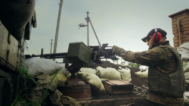 Heavy fighting continues between Ukrainian soldiers and Russian separatists near Donetsk in eastern Ukraine