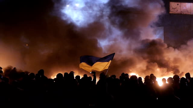 heavy protests in kiev, january 2014 - conflict stock videos & royalty-free footage