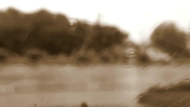 Starker Regen auf der Straße