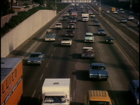 vidéos et rushes de heavy traffic on 405 freeway - 1970