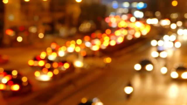 DEFOCUS: Zware verkeer op een motorwy.