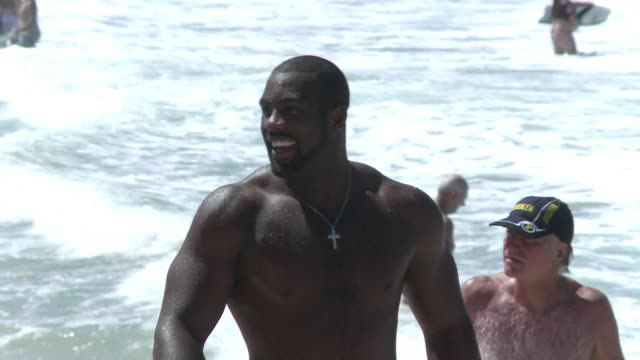 heavyweight judo star teddy riner took a break from the world judo championships friday to swim at rios most famous beach copacabana clean judo star... - heavyweight stock videos and b-roll footage