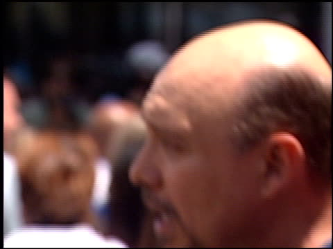 hector elizondo at the premiere of 'the princess diaries' at the el capitan theatre in hollywood, california on july 29, 2001. - el capitan theatre stock videos & royalty-free footage