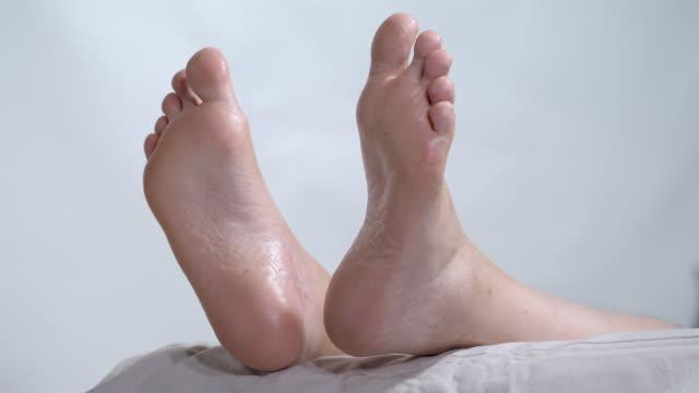 かかと治療 - 足根点の映像素材/bロール
