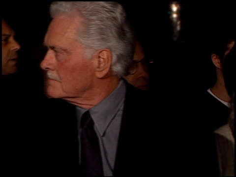 heidi fleiss at the 'black hawk down' premiere at ampas in beverly hills california on december 18 2001 - 映画芸術科学協会点の映像素材/bロール