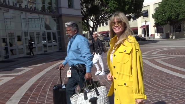 heidi klum arrives to the pasadena convention center at celebrity sightings in los angeles on october 18, 2019 in los angeles, california. - heidi klum stock videos & royalty-free footage